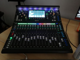 Allen & Heath SQ5 - Digital Audio Mixer